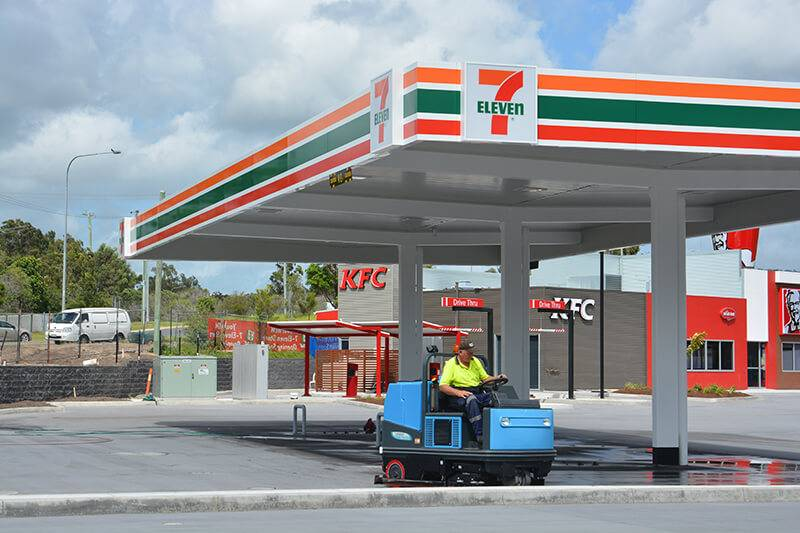7 Eleven Carpark Sweeping and Scrubbing